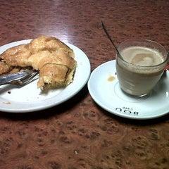 Photo taken at Cafetería Psicología UAM by Iri on 3/6/2012