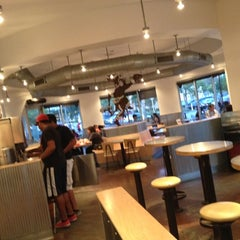 Photo taken at Chipotle Mexican Grill by Wesley D. on 6/17/2012