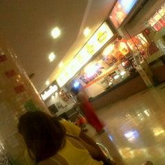 Photo taken at Hamburguesas El Corral by Angelica V. on 8/20/2012
