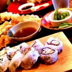 Photo taken at Sushi Boat by Ela<3 on 8/6/2012
