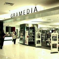 Photo taken at Gramedia by Ferdi F. on 2/14/2012