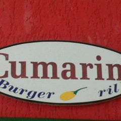 Photo taken at Cumarim Burger Grill by Moniquinha E. on 4/25/2012