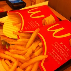 Photo taken at McDonald's Kota Bharu Mall by Nithiphat B. on 6/4/2012