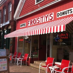 Photo taken at Frosty's Donuts & Coffee Shop by Kim R. on 7/14/2012