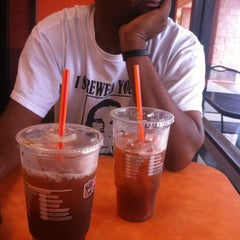 Photo taken at Dunkin' Donuts by Skye M. on 6/9/2012