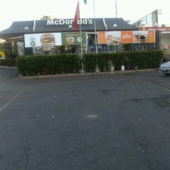 Photo taken at McDonald's by Fabão B. on 7/10/2012