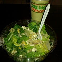 Photo taken at Day Light Salads by Gabriela R. on 8/25/2012