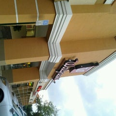 Photo taken at Walgreens by Nazvie F. on 2/26/2012