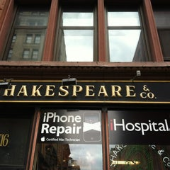 Photo taken at Shakespeare & Co by Lu A. on 4/24/2012