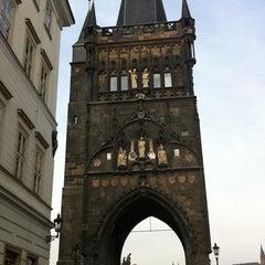 Photo taken at Staroměstská mostecká věž | Old Town Bridge Tower by Wanyupa I. on 4/11/2012