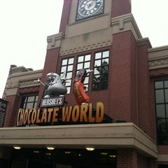 Photo taken at Hershey's Chocolate World by Stephen S. on 8/10/2012