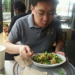 Photo taken at Chipotle Mexican Grill by Khang N. on 4/14/2012