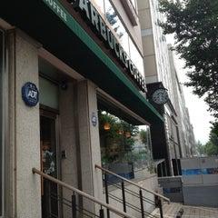 Photo taken at Starbucks by Jae Hyun K. on 7/4/2012