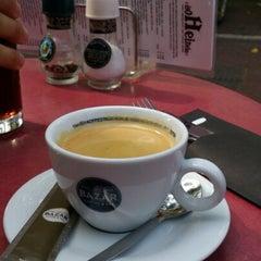 Photo taken at Grand Café Heineken Hoek by Oleg P. on 8/21/2012