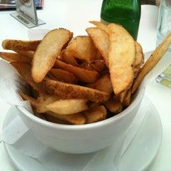 Photo taken at Achapa Hamburger by Thi T. on 2/20/2012