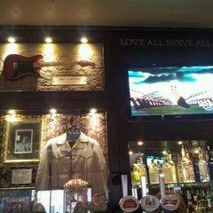Photo taken at Hard Rock Cafe London by Zdrovniak on 5/30/2012