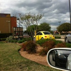Photo taken at Taco Bell by Delinda J. on 3/17/2012
