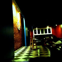 Photo taken at Goodnight's Comedy Club & Restaurant by Norma F. on 2/18/2012