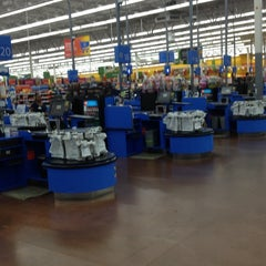 Photo taken at Walmart Supercenter by Javier F. on 3/24/2012