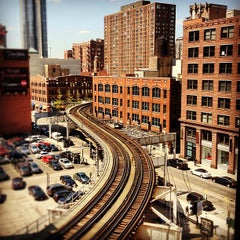 Photo taken at CTA - Merchandise Mart by Frank D. on 4/12/2012