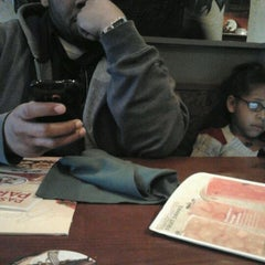 Photo taken at Olive Garden by Erica T. on 3/29/2012