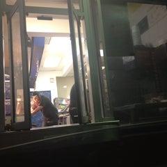 Photo taken at Burger King by David V. on 5/28/2012