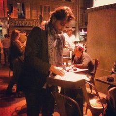 Photo taken at Le Bloc by Assaf D. on 3/29/2012