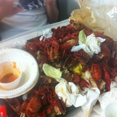 Photo taken at Crawfish & Beignets by Kathy N. on 5/7/2012