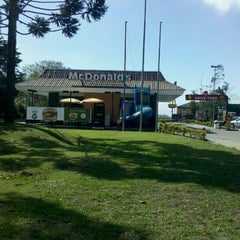 Photo taken at McDonald's by Aline B. on 8/17/2012