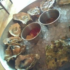 Photo taken at Hank's Oyster Bar by Dan R. on 9/8/2012