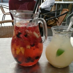 Photo taken at YAM YAM Thai Food & Café by Miroslav O. on 9/5/2012