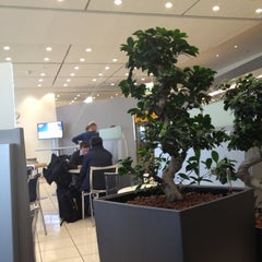 Photo taken at Lufthansa Business Lounge by Bernd B. on 4/16/2012