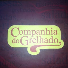 Photo taken at Companhia do Grelhado by Raphael R. on 5/19/2012