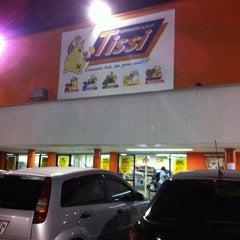 Photo taken at Supermercados Tissi by Nehi beta O. on 3/20/2012