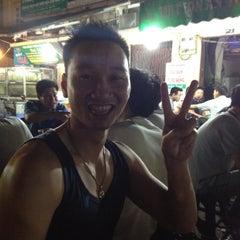 Photo taken at Hải sản chợ KimLiên by Lobby🍀 on 4/21/2012