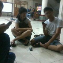 Photo taken at Universitas Teknologi Yogyakarta (UTY) by imung I. on 4/15/2012