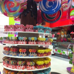 Photo taken at Candylicious كانديليشس by Amna A. on 7/26/2012