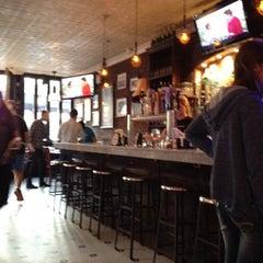 Photo taken at Artichoke Basille's Pizza & Bar by Samuel B. on 8/10/2012