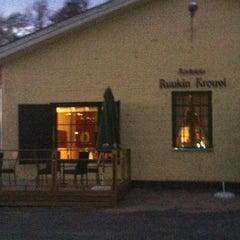Photo taken at Ravintola Ruukin Krouvi by Natalya D. on 4/30/2012