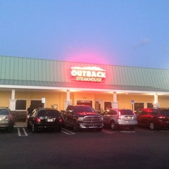 Photo taken at Outback Steakhouse by Michael M. on 4/8/2012
