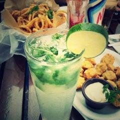 Foto tomada en Friday's por Gloriana el 3/31/2012
