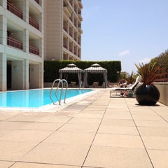 Photo taken at SPA InterContinental @ InterContinental Los Angeles by Julia R. on 6/3/2012
