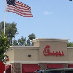 Photo taken at Chick-fil-A by Nicole V. on 8/1/2012