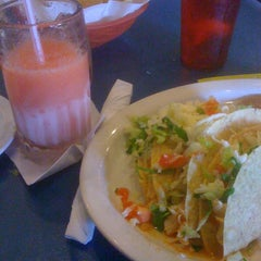 Photo taken at Del Pueblo Mexican Restaurant by Charles T. on 6/9/2012