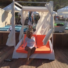 Photo taken at Mio Bianco Beach Club by Aysegül on 7/7/2012