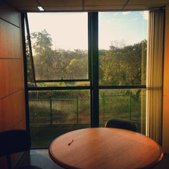 Photo taken at Juizados Especiais de Brasília - TJDFT by Matheus S. on 4/19/2012