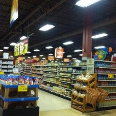 Photo taken at Giant Eagle Supermarket by Joni N. on 8/7/2012