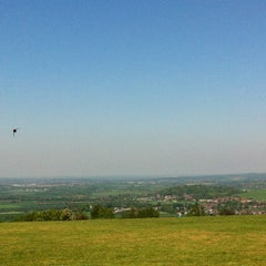 Photo taken at Dunstable Downs by Saowapa N. on 5/25/2012