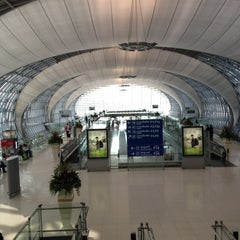 Photo taken at Gate F1 by Aomz on 3/3/2012