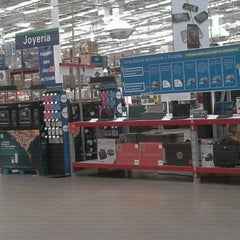 Photo taken at Sam's Club México Sonora by Vicente O. on 3/14/2012